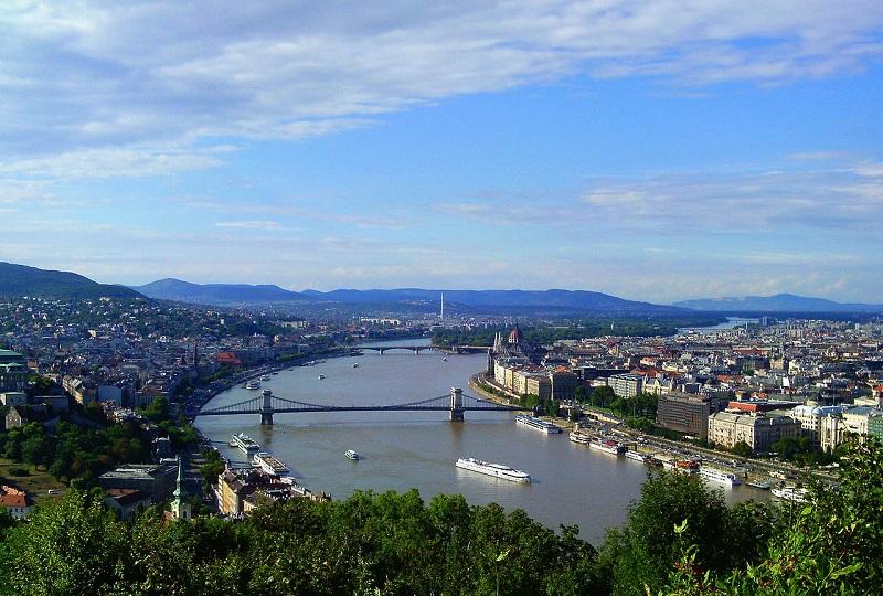 Glavno mesto Madžarske je Budimpešta