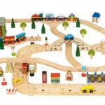 Senzorična igra z lesenimi vlakci in železnico
