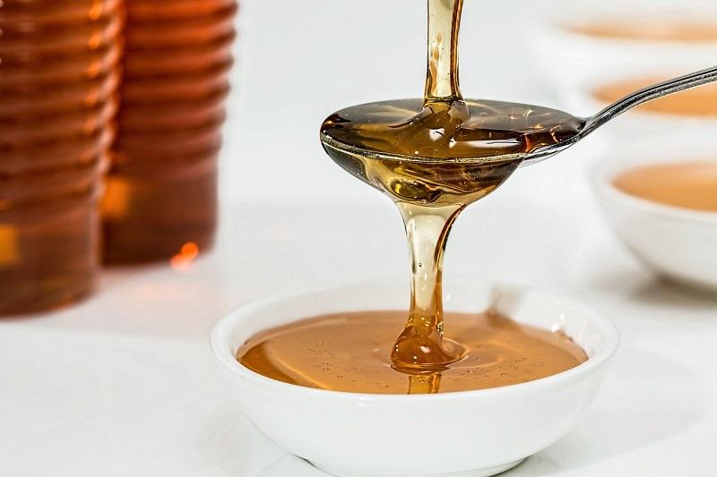 Ekstraktor medu je naprava za hitrejše in učinkovitejše pridobivanje kakovostnega medu