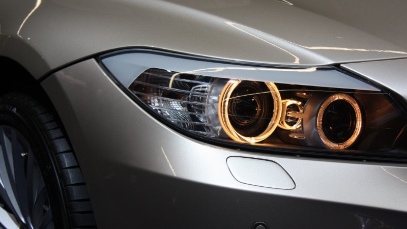 Sprednja luč za avto